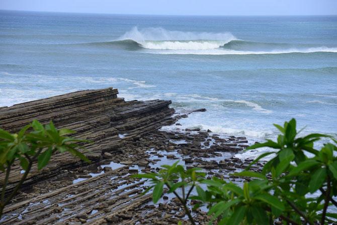 Free Surf at Popoyo Beach. Credit: ISA/ Michael Tweddle
