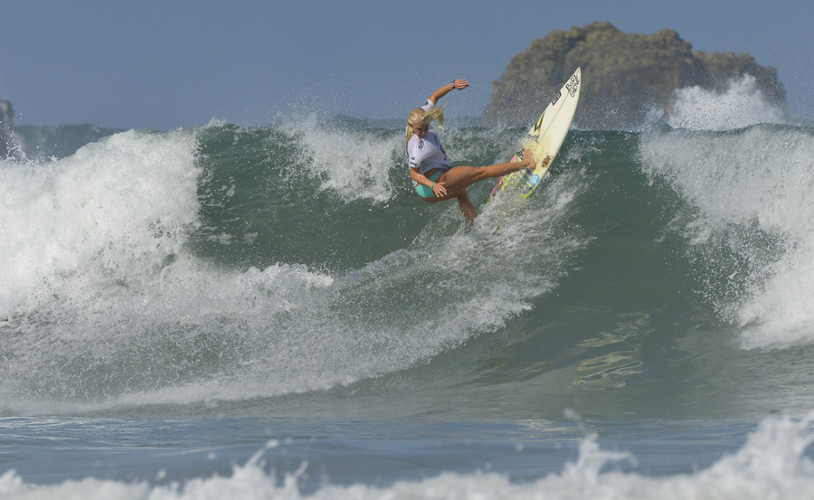 Girls U-18 World Champion Tatiana Weston-Webb from Hawaii. Photo: ISA/Michael Tweddle